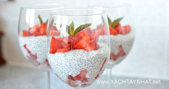 chia-seed-pudding-with-strawberries-3-720x380