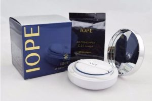 1. Phấn nước IOPE Air Cushion XP
