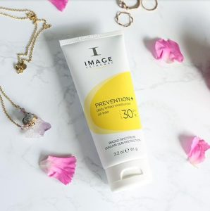 REVIEW 3 Dòng Kem Chống Nắng Image Skincare 2
