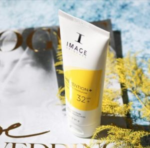 REVIEW 3 Dòng Kem Chống Nắng Image Skincare 3